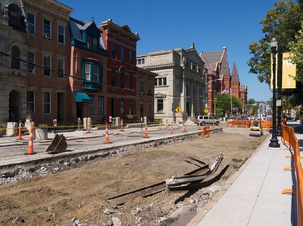 A long-awaited sight: streetcar construction on Cincinnati's Elm Street. Photo: Travis Estell.